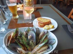 Mussel dinner, Scenic Hotel