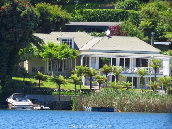 Beautiful home on the shores of Lake Okareka