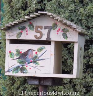 Pretty bird letter box