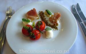 Buffalo mozzarella salad entree