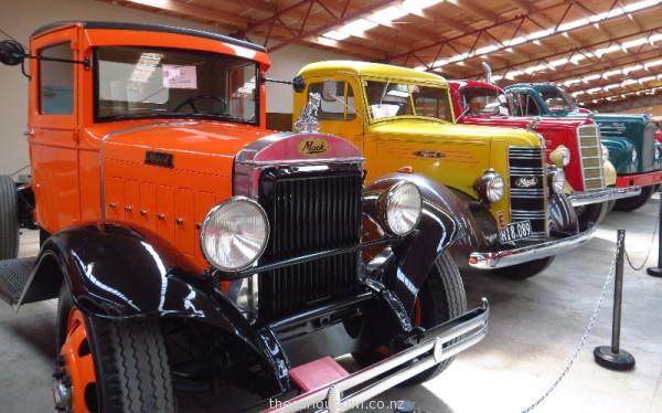 1932 Mack BG truck