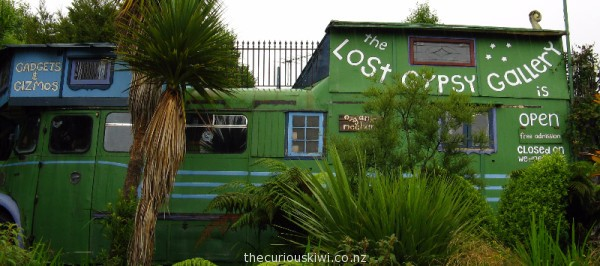The Lost Gypsy Gallery, Papatowhai