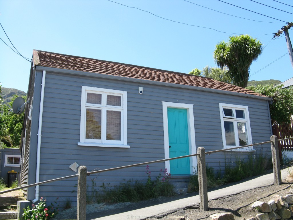 Cute cottage on a steep street in Lyttelton