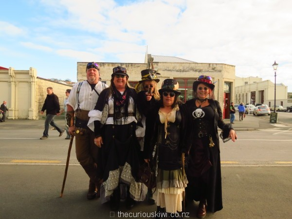 Steampunkers in Oamaru