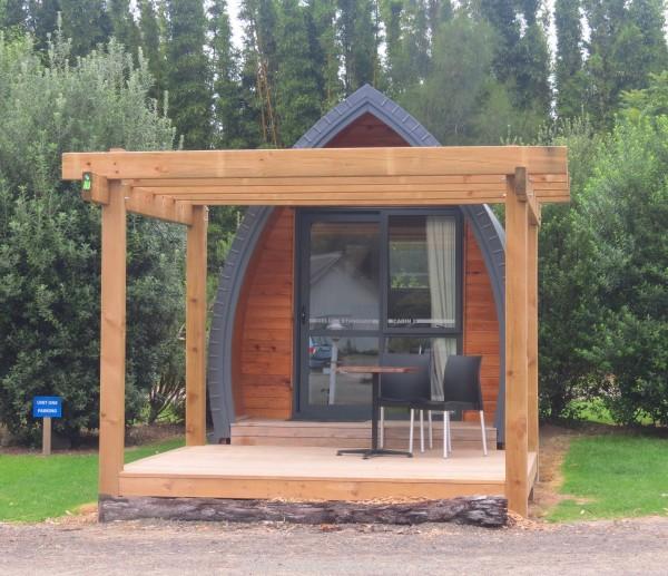 Dinky Deluxe Cabin
