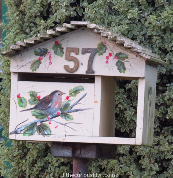 Pretty bird letter box
