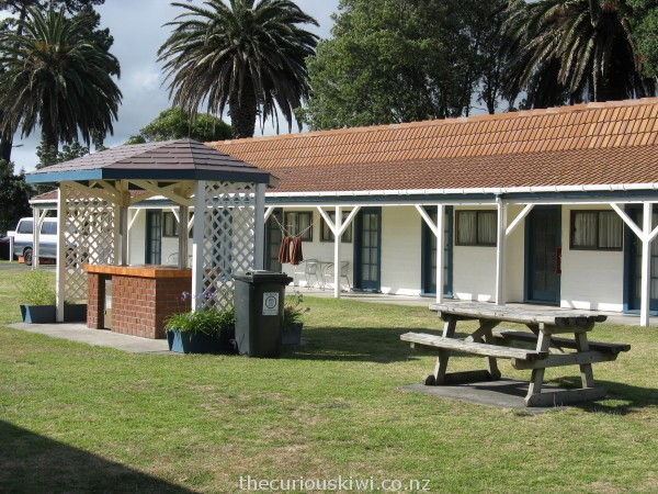 Ensuite cabins at Waikanae beach TOP 10