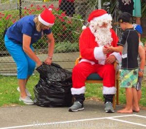 Father Christmas comes to Ohope Beach