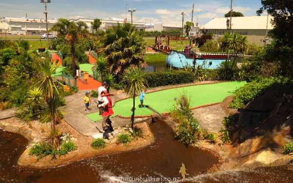 Treasure Island Mini Golf in Auckland