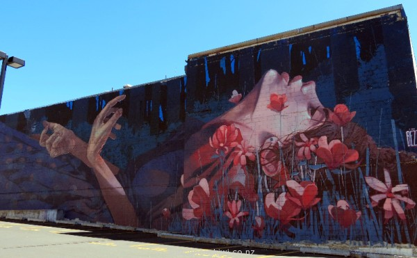 'When the hunter becomes the hunted' by Bezt (Etum Cru)