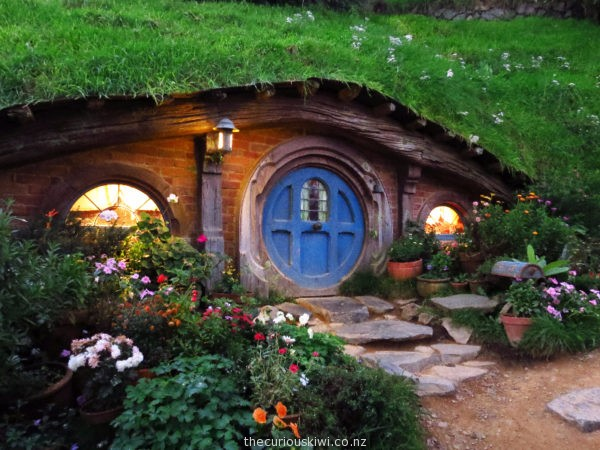Hobbiton Movie Set Tour - I want to live here