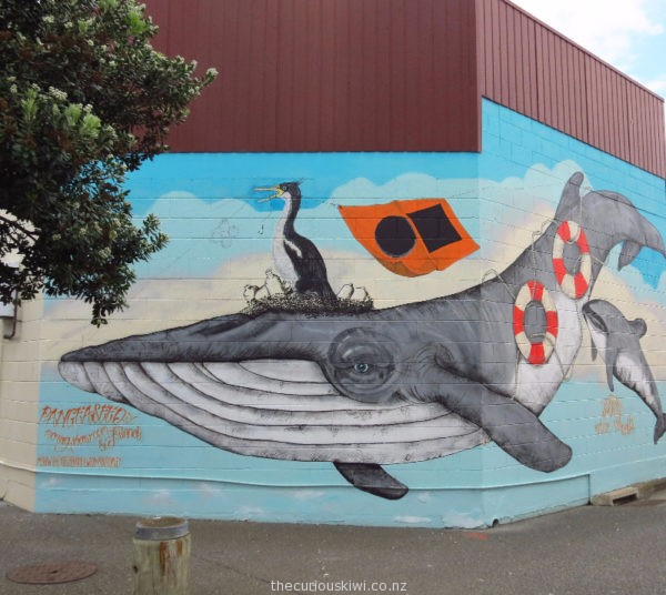 Mural dedicated to New Zealand's endangered marine animals. By Morag Shaw (in Ahuriri)