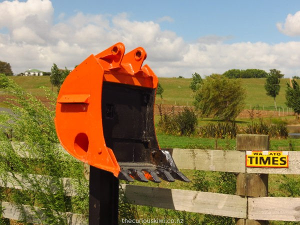 Digger scoop letter box