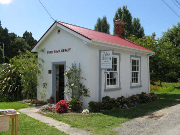 Puhoi Town Library