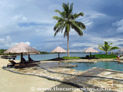 Coconuts Beach Club - pool