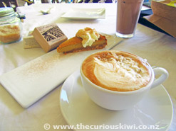 Le Petit Cafe - latte and pumpkin pie